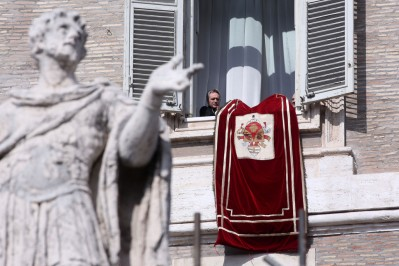 10_Pope_Attends_Final_Angelus_Prayers_Before_mld