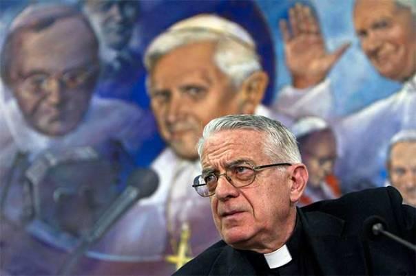 Foto del Padre Lombardi en la Radio Vaticana