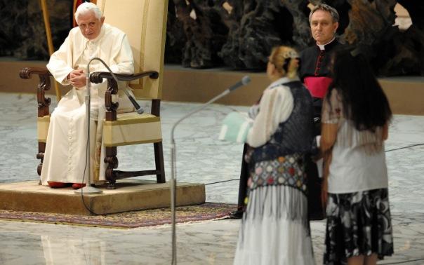 papa_ratzinger_benedetto_xvi_foto_incontro_zingari_rom_sinti_00.jpeg