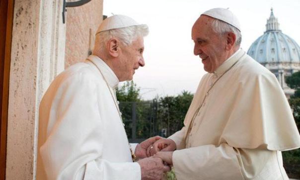 el-papa-francisco-y-benedicto-xvi