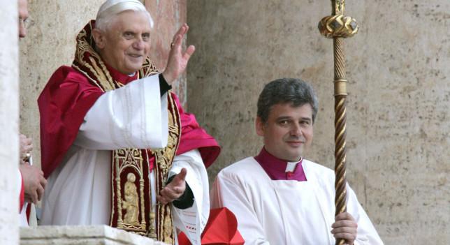 El Papa y Konrad Krajewski