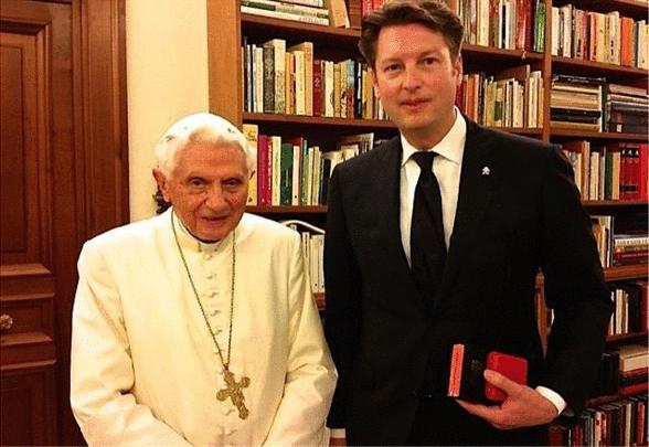 Benedicto XVI y Tom Keller