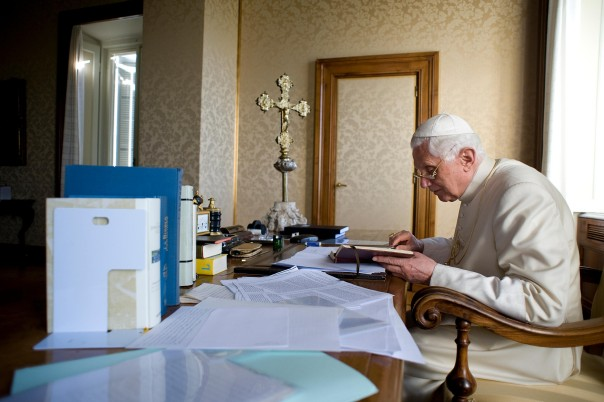 benedicto_castelgandolfo_getty_110213