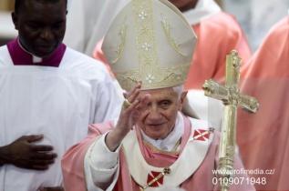 Pope Benedict XVI - Pastoral Visit in Santa Maria delle Grazie in Rome