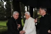 seminaristi-della-diocesi-faensa-modigliana-16_06_2015vescovotoso_papaemerito_1434535091