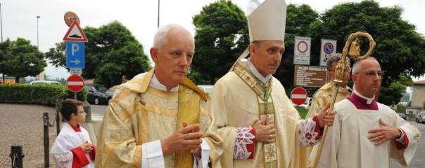 ce-il-segretario-del-papa-festa-grande-a-guanzate_951c7d8e-5989-11e5-83f6-bdce6d689b6f_998_397_big_story_detail