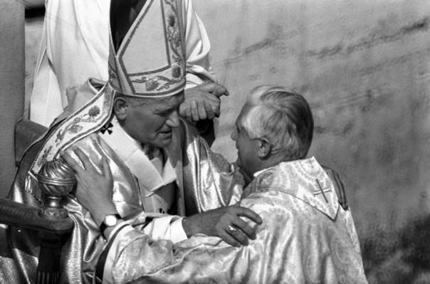 ratzingerganswein juan pablo ii benedicto XVI