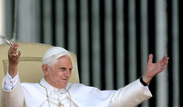 Pope Benedict XVI blesses pilgrims gathe