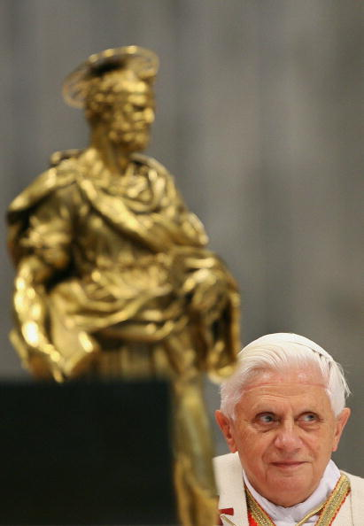 Pope Benedict XVI arrives at the altar i